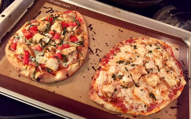 A quick and frugal dinner: Individual Flatbread Pizzas