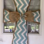 DIY Burlap Cross Door Hanger