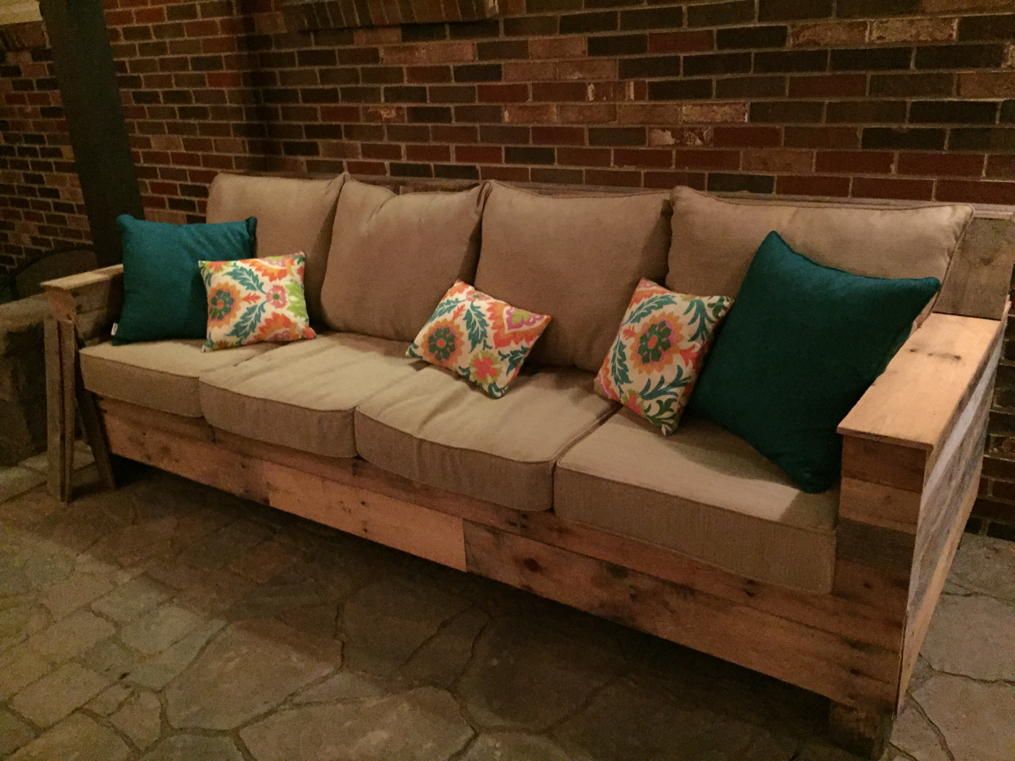 New Pallet Ideas for Outdoors