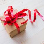 8 Clutter Free Gift Ideas for a Frugal Holiday Season