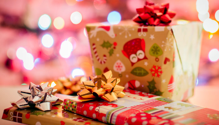 12 Ways to Save Money on Christmas Gifts