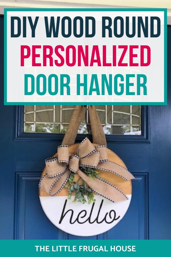Créez votre propre enseigne de porte de ferme personnalisée avec ce didacticiel amusant, rapide et simple d'accroche-porte rond en bois.
